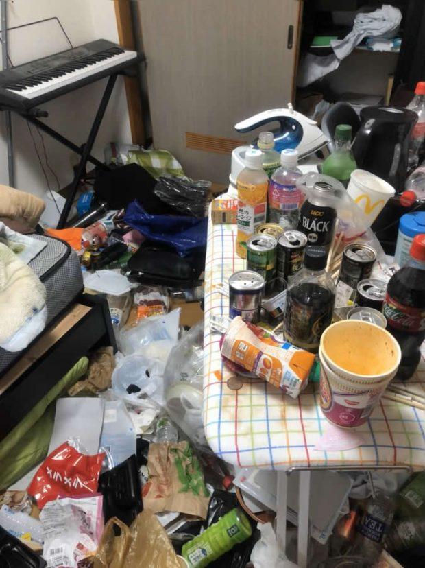 足元が見えないほど、ごみが散乱していた1DKのお部屋が片付き大変お喜びいただけました!