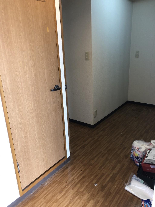 引っ越しに伴う不用品処分とハウスクリーニング