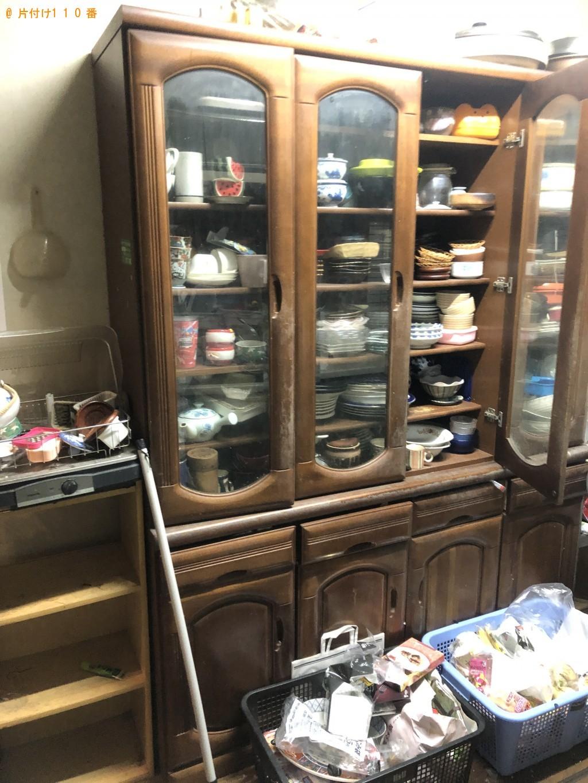 【大分市】食器棚、ソファー、テレビ、ローテーブル等の回収・処分