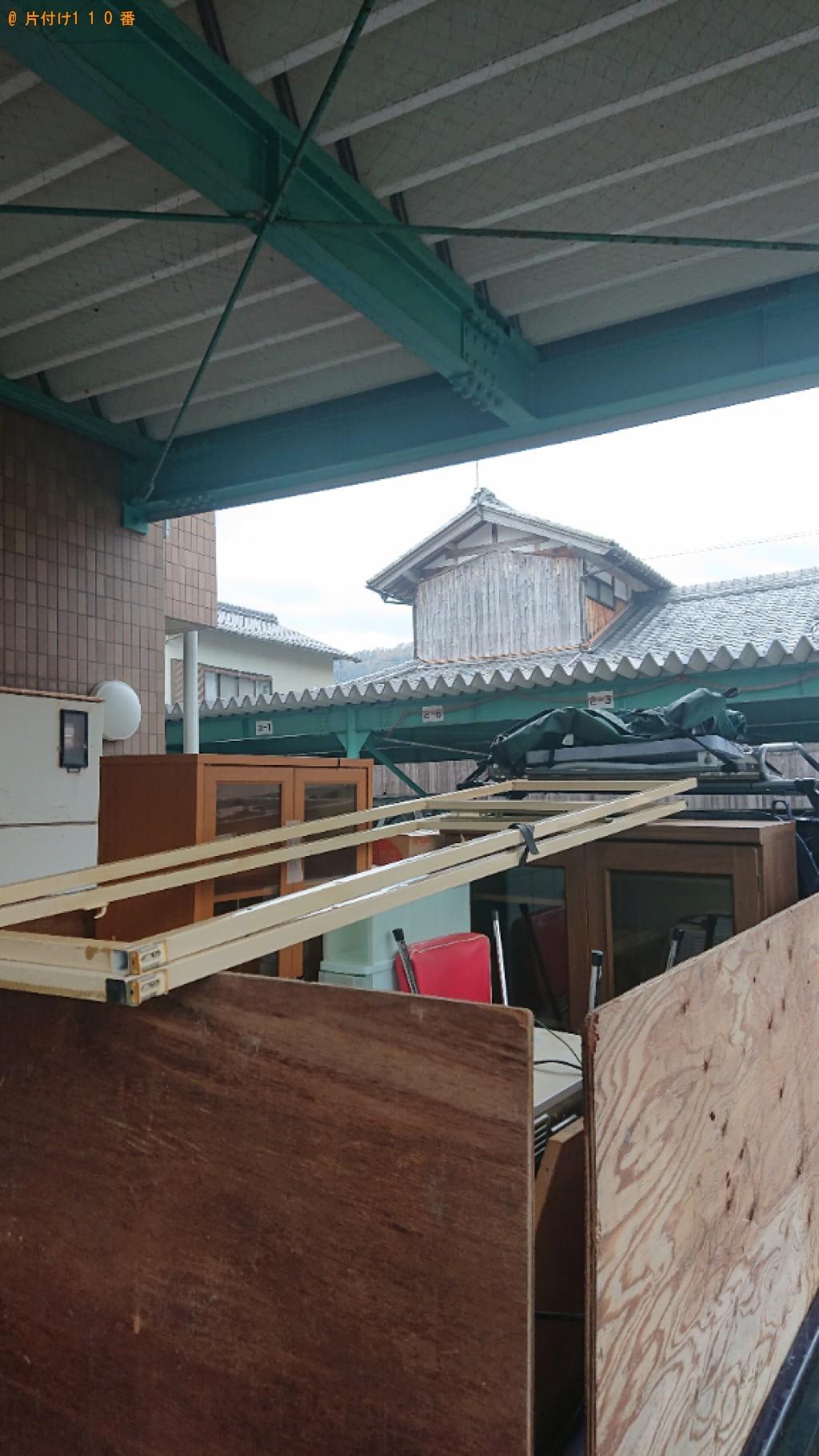 【国立市】本棚、ガラスケース、ラック、ダイニングテーブル等の回収
