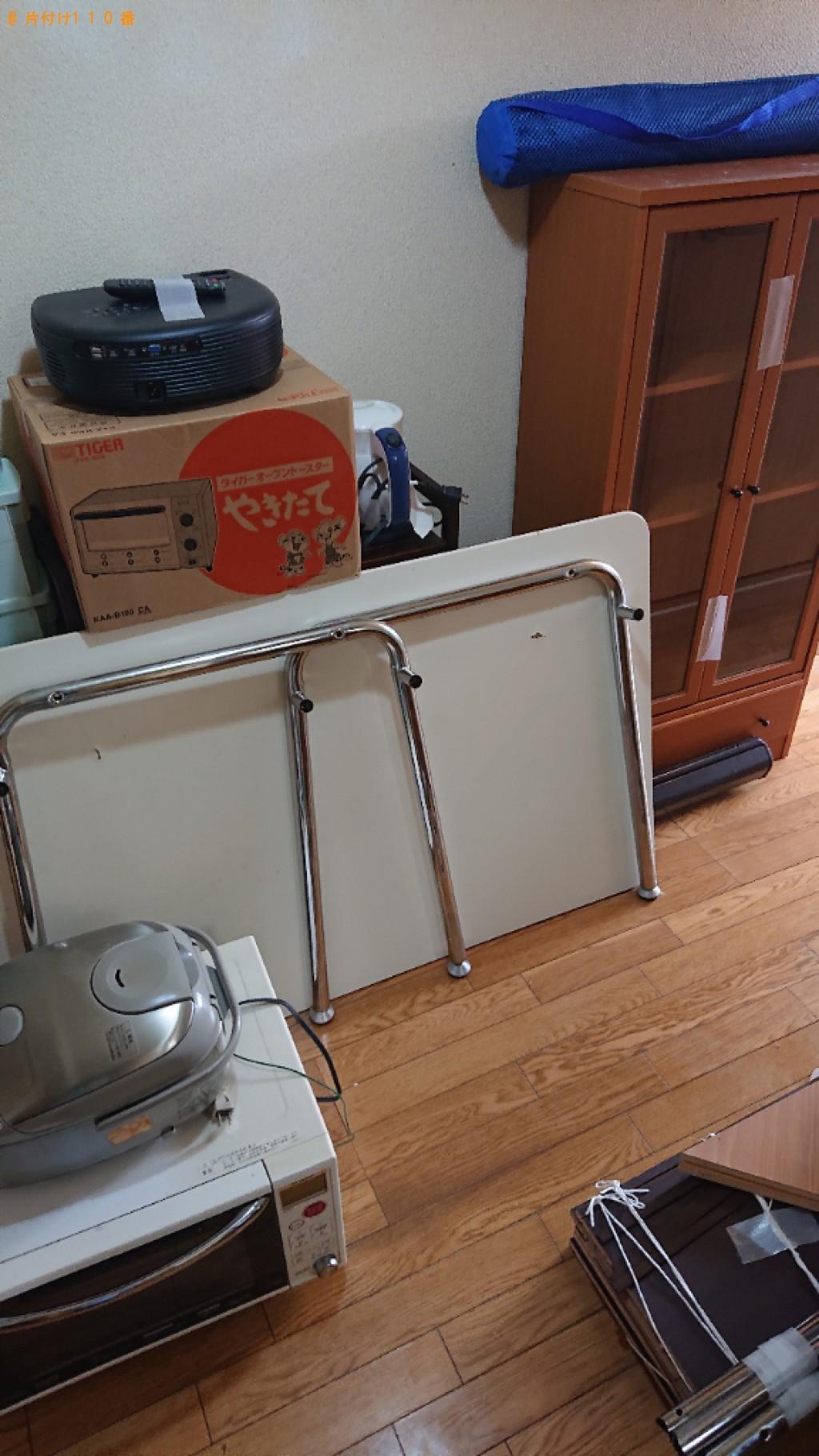 【大分市】本棚、ガラスケース、ラック、ダイニングテーブル等の回収