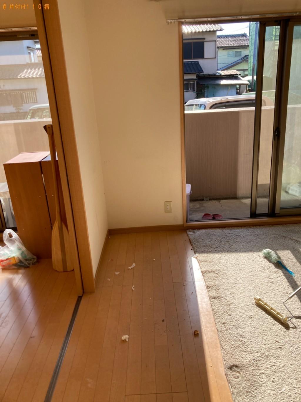【大分市】食器棚、ガラステーブル、三人掛けソファー等の回収・処分